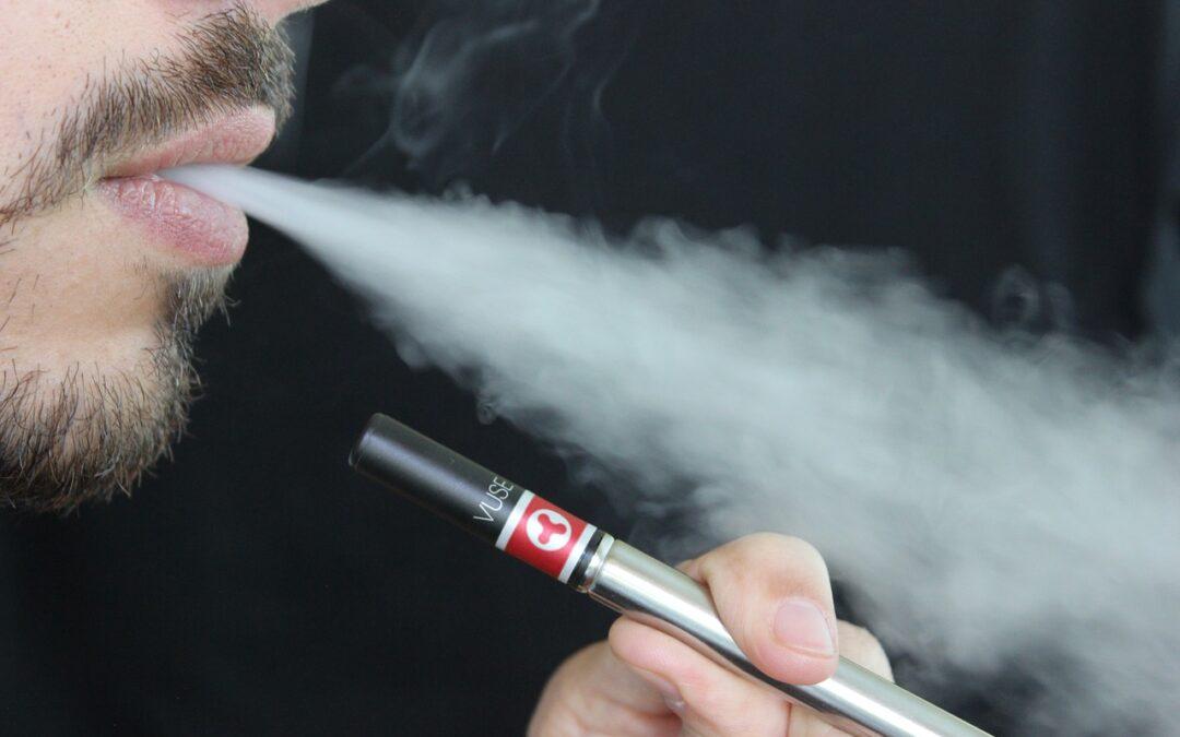 Choisir sa cigarette électronique et son e-liquide pour vapoteur débutant
